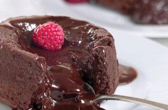 кекс с шоколадом внутри