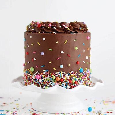 Торт-конфетти с шоколадом