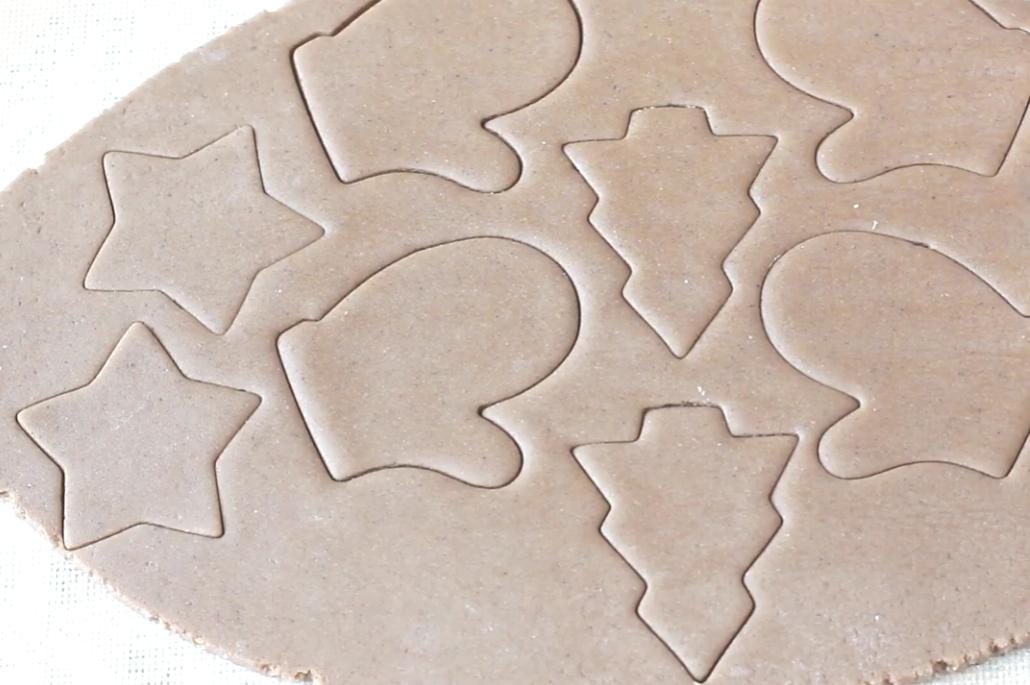 вырезаем печенья