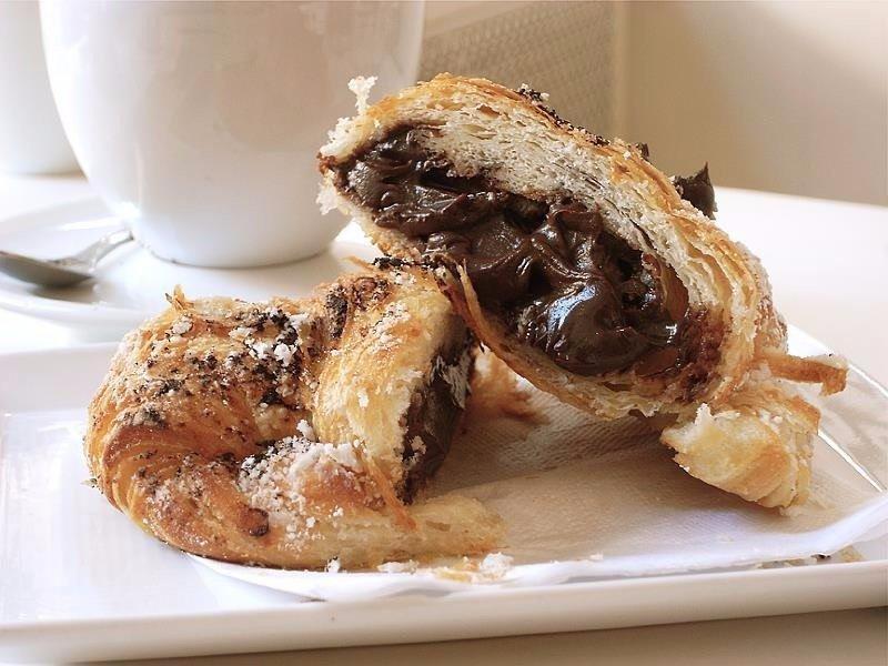 Простой рецепт булочек с шоколадом внутри